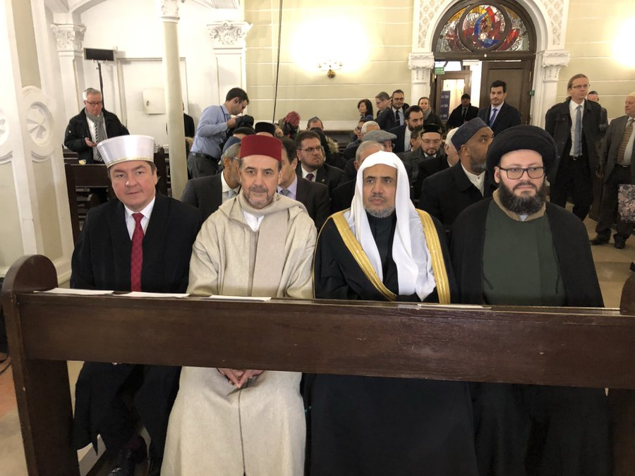 HE Dr. Mohammad Alissa and other Muslim dignitaries attend Kabbalat Shabbat service at Nożyk Synagogue in Warsaw, Poland this afternoon