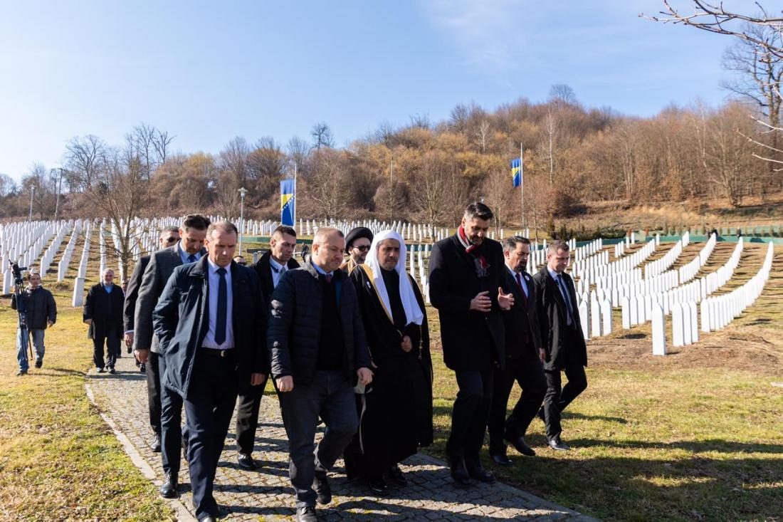 After leading a historic visit to Auschwitz Museum last month, HE Dr. Mohammad Alissa paid tribute to the victims of the Srebrenica genocide in Potocari
