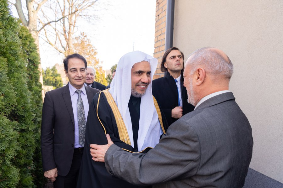 HE Dr. Mohammad Alissa was welcomed to Tatarska St. Mosque this afternoon as he arrived with dignitaries from the MWL and delegates from AJCGlobal to attend prayer